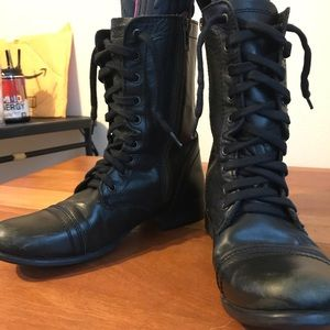 Black leather boots Troopa Steve Madden sz 8
